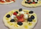 Jak zrobić ciasto na dobrą pizzerkę?