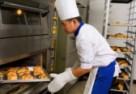 Gorący okres przedświąteczny – czy pracownik może odmówić nadgodzin?