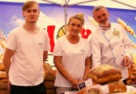 XIX Radomskie Święto Chleba: Nawet deszcz nie zniechęcił...